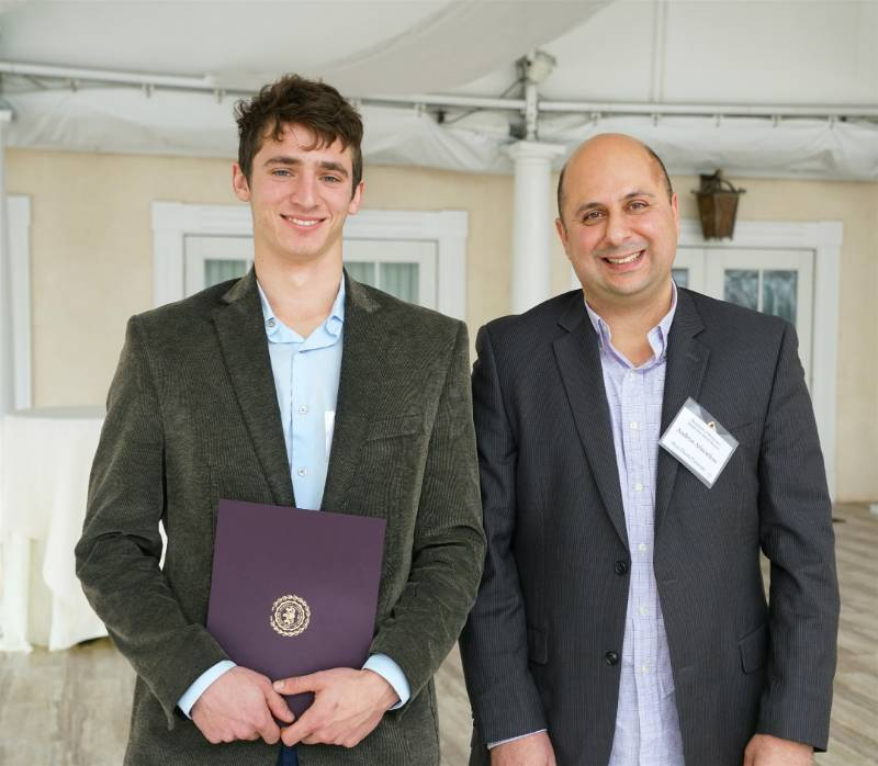 Grosshans Hirsch Applied Mathematics Scholarship Awardee